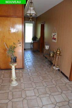 Maison à vendre à Gembloux - 180m² - 248 000 € - Logic-immo.be - SAUVENIERE - Jolie maison à grand potentiel d'une superficie de 180m², avec superbe jardin de 13a entièrement clôturé, offrant : 3 chambres (22,21,7m²), un vaste hall de 18m², un living de 35m², une s...