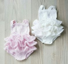 trendy Ideas for crochet baby dress free pattern fabrics Baby Knitting Patterns, Crochet Baby Dress Free Pattern, Hand Knitting, Pinterest Baby, Baby Pullover, Knitted Romper, Crochet For Boys, Baby Sweaters, Dress Sewing