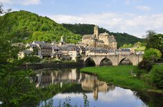Estaing, France (by ipon1)