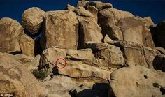 Can YOU spot the waving child hiding in this rocky landscape? Dramatic Background, Aperture And Shutter Speed, Scenic Photography, Photography Tips, Pictures Of People, Sem Internet, Far Away, Landscape Photos, Cool Eyes