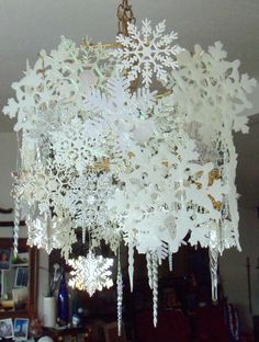 Make The Best of Things: Wintry Snowflake Chandelier-Dollar Store Decor