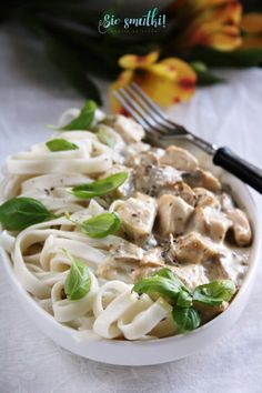 sio-smutki! Monika od kuchni: Makron z kremowym sosem z kurczakiem i pieczarkami Ethnic Recipes, Food, Essen, Meals, Yemek, Eten