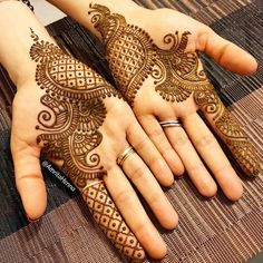 Explore latest Mehndi Designs images in 2019 on Happy Shappy. Mehendi design is also known as the heena design or henna patterns worldwide. We are here with the best mehndi designs images from worldwide. Henna Hand Designs, Mehndi Designs Finger, Palm Mehndi Design, Latest Arabic Mehndi Designs, Mehndi Designs Book, Mehndi Designs For Beginners, Modern Mehndi Designs, Mehndi Design Pictures, Mehndi Designs For Girls