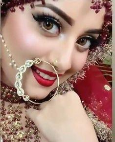 Fulfill a Wedding Tradition with Estate Bridal Jewelry Pakistani Bridal Hairstyles, Pakistani Bridal Makeup, Bridal Mehndi Dresses, Pakistani Wedding Outfits, Bridal Dress Design, Bridal Outfits, Pakistani Girl, Pakistani Actress, Bridal Style
