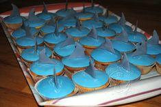 Hai Muffins Shark Cup cake Swimming Cake, Cupcakes, 4 Kids, Candles, Baking, Birthday, Desserts, Recipes, Hai