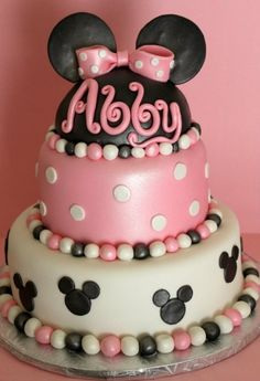 Minnie Mouse Cake By lilmisscakes on CakeCentral.com