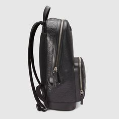 cf570bb051fb Gucci Signature leather backpack - Gucci Men s Backpacks 406370CWCCN1000  Gucci Men
