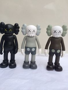 a2e7cd120e3a03 of lots 8 inch kaws Original Fake Companion toy kaws factory product fancy  toy gift