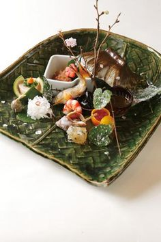 季節の八寸 1,620円(または7,560円〜の懐石料理の一品) - Seasonal dish 1,620 yen (or one piece of kaiseki dish from 7,560 yen)