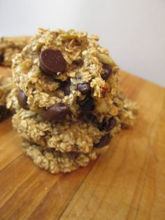 kiss cookbook: 35 Calorie Banana Oat Cookies Just made these with pecans instead of chocolate chips. Low low calorie, all healthy and tasty. Would be great with coffee for breakfast
