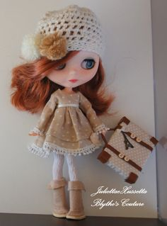 Blythe outfit: dress hat boots and suitcase di juliettaexussetta
