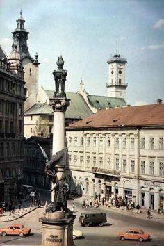 Львів, пам'ятник Адаму Міцкевичу, фото 1989 року
