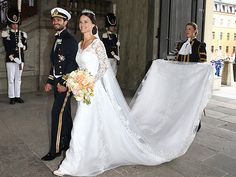 Sofia Hellqvist wore a stunning Ida Sjöstedt dress to her Saturday wedding to Prince Carl Philip of Sweden in Stockholm. The gown featured lace sleeves over a whit bodice.