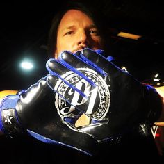 My favourite Wrestler Aj Styles! Aj Styles Wwe, Aj Styles Gloves, Thing 1, Best Wrestlers, Wwe Tna, Wwe World, Wwe Champions, Brock Lesnar, Wwe Photos