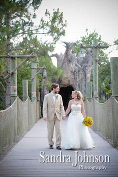 Best Brevard Zoo Wedding Photographer - Sandra Johnson (SJFoto.com) | Nyami Nyami River Lodge | Brevard Zoo Wedding | Wedding Venue | Melbourne, Florida | Wedding Photography