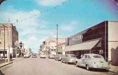Cocoa Beach Florida, 1950somg swoon! So I worked on this street my entire teenage life and to see it this way  makes it so much more amazing!