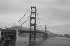 GOLDEN GATE BRIDGE - SAN FRANCISCO Golden Gate Bridge, White Photography, San Francisco, Black And White, Van, Travel, Viajes, Black White, Trips