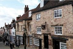 One of the oldest medieval stone houses to survive in Britain, the Jews House is a stunning architectural survival of a brutal and bloody period in British history, known as the Jewish Expulsion of 1290.