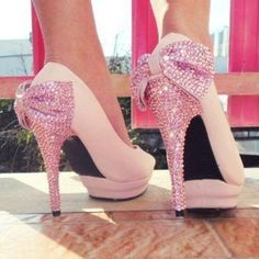 I COULD POOP SPARKLES!!! @Sherry S S S N Rod Decker I can totally see you wearing these!