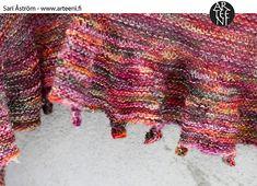 Ravelry: Pebble Edge Shawl pattern by Sari Åström