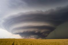 Jim Reed has been photographing and reporting on extreme weather for 21 years, and has been reconized as one of the world's most accomplished extreme-weather photographers, capturing images from numerous meterological phenomena, including tornadoes, blizzards, ice storms, hurricanes and floods.