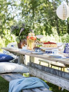 Afternoon tea, swedish style. Photo Carina Olander. Stylist Anna Truelsen.