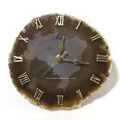 Relógio - Ágata Marrom - ID:3368 Relógio trabalhado artesanalmente em chapa de Ágata com Mapa do Brasil jateado ao centro. A Venda na loja ou pelo site.