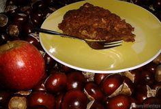 Saftiger Quitten-Apfelkuchen mit Amaretto und köstlicher Ahornsirup-Schlagsahne ♥ Rezept gibt's hier: https://somanylittlesteps.wordpress.com/2014/10/08/saftiger-quitten-apfelkuchen-mit-amaretto/ #Apfelkuchen #Quitten #Amaretto #Schlagsahne #Rezept #saftig #lecker #Ahornsirup #Vitamine