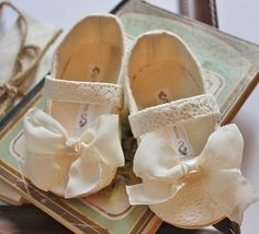 Beautiful flower girl shoes by Bitsy Blossom #toddler/baby shoes