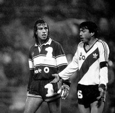 Navarro Montoya y Daniel Passarella. Football Photos, Remo, River, Plate, Sport, Soccer, Argentina, Champs, Dishes
