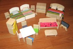 DIY Dollhouse furniture from wood. I am looking for chunky sturdy made-for-little-girl-hands dollhouse furniture for my twin granddaughters' first house. DIY Dollhouse furniture from wood. Wooden Dollhouse, Dollhouse Dolls, Miniature Dolls, Dollhouse Miniatures, Dollhouse Ideas, Mini Doll House, Barbie Doll House, Barbie Furniture, Dollhouse Furniture