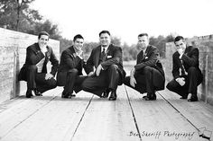 Totally need some boy bandesque shots! Groom And Groomsmen Pictures, Groomsmen Wedding Photos, Groomsmen Poses, Bridesmaids And Groomsmen, Wedding Poses, Wedding Ideas, Heart Photography, Photography Pics, Grooms Party