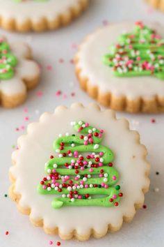 Christmas Shortbread Cookies - thecafesucrefarine.com