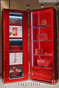 Valentino, pinned by Ton van der Veer