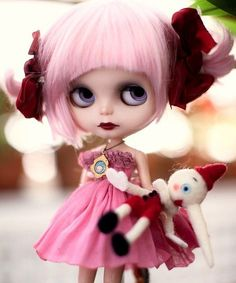 So cute, I want her!! Blythe Dolls