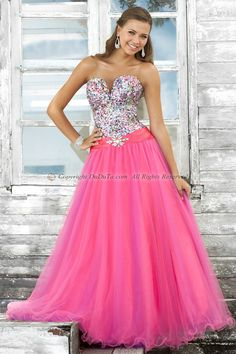 This is such a bubble gum sweet teen gown!