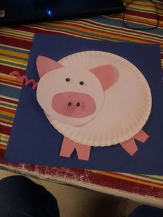Movable paperplate pig