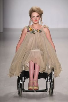 First Ever Models With Disabilities Grace The Catwalk In New York Fashion Week