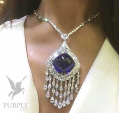 Timelessly elegant Sapphire and Diamond necklace