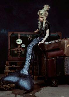 Photography Giel Domen& Kenneth v d Velde MUA Mariska de Jong@VipCosmetics HAIR Mariska de Jong The Mermaids #avantgarde#passion#hairstyling#underwater#messageinabottle#coiffure#