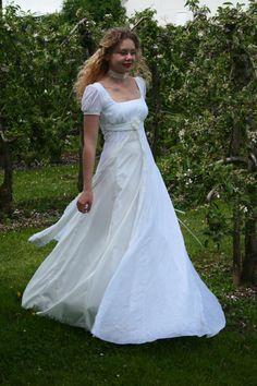 Love Love Love - Nostalgisches Hochzeitskleid Empire-Stil