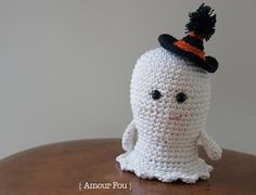 Download this free pattern at Amigurumipatterns.net Small ghost crochet pattern