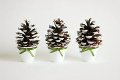 Pine Сone Decoration Set of Three Christmas von LorenzaPari auf Etsy