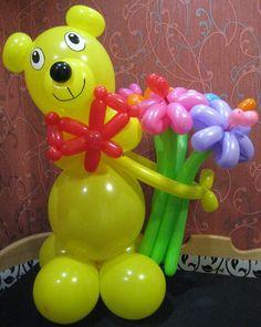 Медведь из воздушных шаров