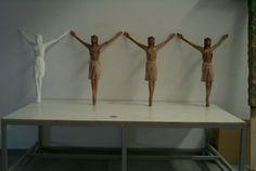 """Cristo de la Carcoma, preparados para una escena con efectos especiales en la película """"La Promesa"""". www.troppovero.com"""