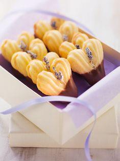 Orangen-Spritzgebäck - smarter - Zeit: 50 Min. | eatsmarter.de Galletas Cookies, Easter Cookies, Cupcake Cookies, Christmas Treats, Christmas Baking, Christmas Recipes, Baking Recipes, Cookie Recipes, All U Can Eat