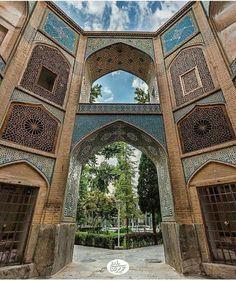 Chaharbagh #School, #Isfahan, #Iran  Photo by Hamid Reza Bani  realiran.org…