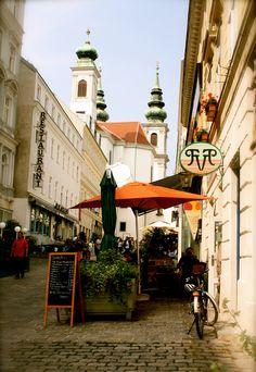 in by wien. Visit Austria, Austria Travel, Vienna Austria, Online Magazine, Heart Of Europe, Central Europe, Prague, Budapest, Europe