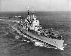 HMS Vanguard: The last British battleship. In 1950 with the destroyer HMS Obedient.