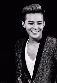 G-Dragon.
